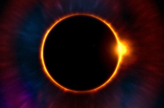 Keanan Kintzel And Family Watch The Eclipse